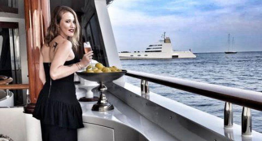 Видео подводного плавания сына Ксении Собчак шокировало фанатов